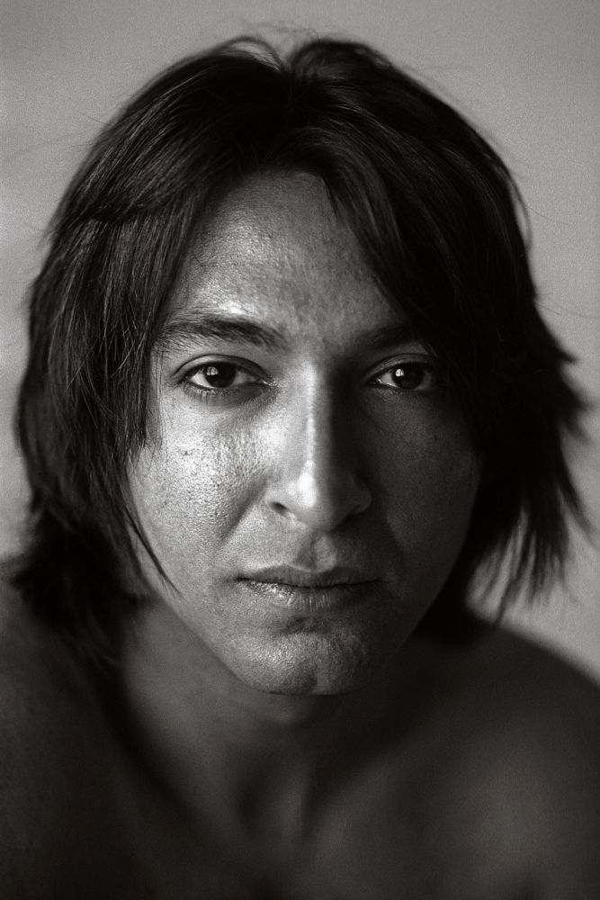 Ovidiu fotografiat in studiul personal al fotografului <b>Lehel Makara</b> - 7-115_1000x1000